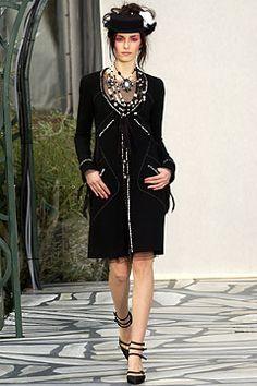 Chanel Spring/Summer 2003 Paris - Couture - Full length photos (Vogue.com UK)