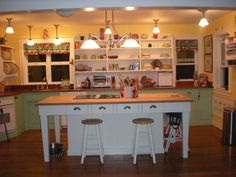 Jadeite and yellow.  Going to paint my kitchen like this.