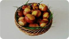 Simboluri de Paște: Ouăle decorate   DorinaDănilă.com Romania, Traditional, Fruit, Beautiful, Food, Essen, Meals, Yemek, Eten