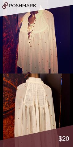 Flowy free people blouse Light and airy Free People blouse size M Free People Tops Blouses