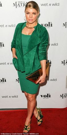 Fergie showed off her St. Patrick's Day spirit in a sleek BCBGMAXAZRIA green dress, while walking the red carpet at the Voli Light Vodka and Don-A-Matrix celebration at Confidential!    www.sax.com.py