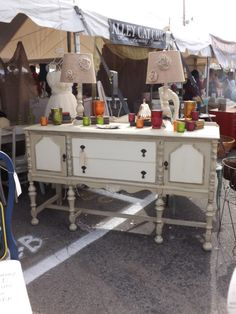 ANNIE SLOAN PAINT = two toned buffet with Country Grey and Old White