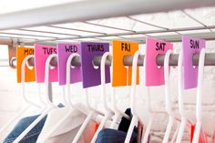 Check out this easy hack for separating outfits for the week with foam markers. #partner