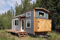 7 Free DIY Woodworking Plans for Building a Tiny House: Free Tiny House Plan from Ana White
