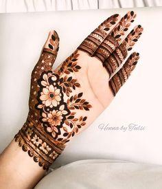 50 Trendy and Stunning Arabic Mehndi Designs - Tikli Mehndi Designs Front Hand, Modern Henna Designs, Latest Arabic Mehndi Designs, Floral Henna Designs, Basic Mehndi Designs, Stylish Mehndi Designs, Mehndi Designs For Girls, Mehndi Designs For Beginners, Wedding Mehndi Designs