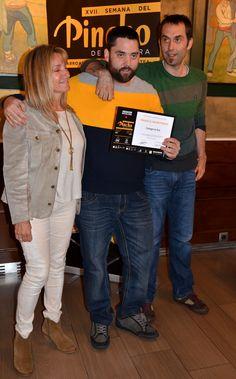 Los hermanos Iñigo Luri, del Restaurante Ábaco recogiendo el diploma del Oro de la #semanadelpincho Siblings, Restaurant, Gold