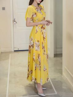 Buy Summer V-Neck Floral Printed Chiffon Maxi Dress online with cheap prices and discover fashion Maxi Dresses at Fashionmia.com.