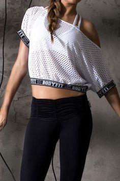 Trendy Gym Wear For Women : Illustration Description Malla 1408 -Read More – Sport Fashion, Look Fashion, Fitness Fashion, Fashion Outfits, Gym Wear For Women, Fit Women, Sport Style, Sporty Outfits, Cute Outfits