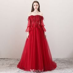 Charming Burgundy Evening Dresses 2018 A-Line / Princess Off-The-Shoulder Long Sleeve Appliques Lace Flower Rhinestone Feather Court Train Ruffle Backless Formal Dresses
