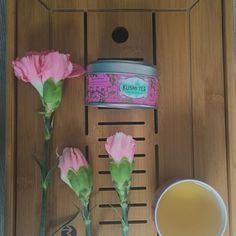 Thé vert à la rose de @kusmiteaparis  #30daychallenge #day5 #hot #creative #huntgram #huntgrammexico #vscocam #tea #tealovers #teaculture #tea #teatime #instatea  tealife #ilovetea #teaaddict #tealover #tealovers #teagram #healthy #drink #hot #mug #teaoftheday #teacup #teastagram #teaholic