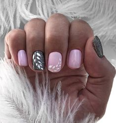 The advantage of the gel is that it allows you to enjoy your French manicure for a long time. There are four different ways to make a French manicure on gel nails. Shellac Nails, Pink Nails, Pretty Nail Designs, Nail Art Designs, Cute Nails, Pretty Nails, Hair And Nails, My Nails, Gel French Manicure