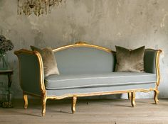 One of a Kind Vintage French Ribbon Carved Louis XVI Style Settee – Furniture – Home Decor Retro Sofa, Vintage Sofa, French Furniture, Classic Furniture, Sofa Furniture, Furniture Design, Italian Furniture, Furniture Online, Luxury Furniture
