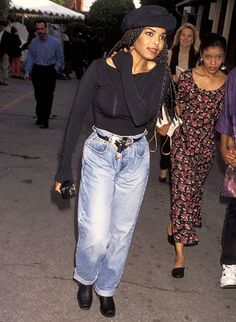 Should I go as janet jackson for decades day from poetic justice for school? Black 90s Fashion, 2000s Fashion, Fashion Outfits, Janet Jackson 90s, Janet Jackson Costume, Janet Jackson Poetic Justice, Style Année 90, 90s Inspired Outfits, Throwback Outfits