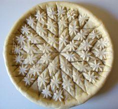 Pie crust, yet it reminds me of Baklava. Puff Pastry Recipes, Pie Crust Recipes, Beautiful Pie Crusts, Pie Game, Pie Crust Designs, Pie Decoration, Pastry Design, Perfect Pie Crust, My Pie