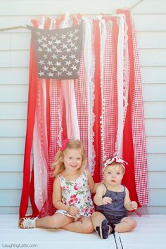 An easy, quick, no-sew tutorial for a shabby chic American flag. The perfect American flag for a backdrop, or patriotic decoration for your Fourth of July party! Fourth Of July Decor, 4th Of July Decorations, 4th Of July Party, July 4th, 4th Of July Ideas, Fourth Of July Pics, Birthday Decorations, Photography Props, Children Photography