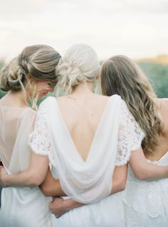 bride and bridesmaids all in white | jen huang photography | via: magnolia rouge