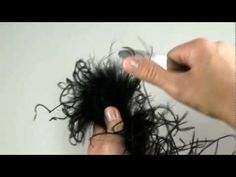 Learn how to get the perfect curl in your feather ostrich boa for use in fabulous hair pieces and other accessories.  HairBow Center's quick tips show you how.  Craft supplies can be purchased at: http://www.hairbowcenter.com