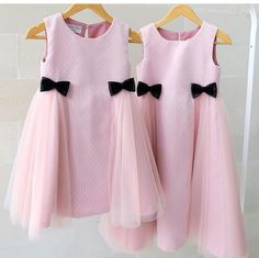 Maybe pink toned bows Gowns For Girls, Little Dresses, Little Girl Dresses, Cute Dresses, Girls Dresses, Little Fashion, Baby Girl Fashion, Kids Fashion, Baby Dress Design