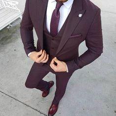Ideas For Moda Masculina Formal Suits Menswear Burgundy Suit, Maroon Suit, Purple Tuxedo, Prom Tuxedo, Burgundy Fashion, Purple Suits, Grey Suits, Brown Suits, Tuxedo Suit