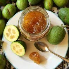 is like guava paste! - Alessandra Zecchini: Feijoa jam… is like guava paste! Fejoa Recipes, Guava Recipes, Chutney Recipes, Fruit Recipes, Vegan Recipes, Cooking Recipes, Vegan Food, Recipies, Relish Recipes