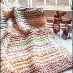 Ravelry: Cuddly Soft Baby Blanket pattern by candylou Easy Knit Baby Blanket, Soft Baby Blankets, Knitted Baby Blankets, Embroidered Blankets, Baby Afghan Crochet Patterns, Knitted Afghans, Crochet Baby, Knit Purl, Baby Showers