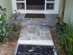 Outdoor stairs / Do you want the look of expensive slate but don't have it in your budget? Consider painting it! I painted my front walkway, using concrete paint, to look like slate! Using specially formulated paints specifically for concrete you can. Concrete Front Porch, Concrete Walkway, Cement Patio, Concrete Floors, Porch Tile, Concrete Resurfacing, Slate Walkway, Front Walkway, Front Stoop