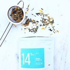 #MorningCleanse // Loose Leaf Tea which contains the following nourishing herbs: Sencha Green tea, Green Oolong tea, Lemongrass and Yerba Mate. ✔️ Start the day fresh ✔️ Get energize ✔️ Feel fresh ✔️ Feel clean & hydrated Get happier, healthier and more confident today! - : @nutmegandlove www.skinnymetea.com.au