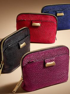 Heritage grain crossbody bags in a spectrum of colours from the Burberry accessories collection - Sale! Shot at Stylizio for womens and mens designer handbags luxury sunglasses watches jewelry purses wallets clothes underwear Small Leather Wallet, Leather Pouch, Leather Crossbody Bag, Crossbody Bags, Handbags On Sale, Luxury Handbags, Popular Handbags, Cheap Handbags, Burberry Handbags