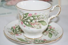 Royal Vale english vintage teacup with winter door HomiArticles