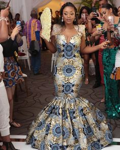Latest African Fashion Dresses, African Dresses For Women, African Print Fashion, Ankara Fashion, African Wedding Attire, African Attire, Ankara Long Gown Styles, Ankara Gowns, African Traditional Dresses