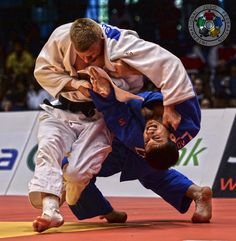 Orlik throws Bisultanov for Ippon to reach the final! Human Poses Reference, Photo Reference, Bjj Wallpaper, Judo Throws, Thai Boxe, Sports Fights, Martial Arts Clothing, Martial Arts Workout, Combat Sport