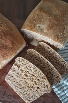 A Bountiful Kitchen: Great Harvest Honey Whole Wheat Bread (copycat)
