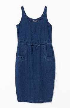 The Denim Dress is effortless in style and is easy to wear. Designed and handmade in Melbourne, Australia, it will make a playful addition to your wardrobe. Designed with tidy straps that are wide enough to cover undergarments. The drawstring clinches in the waist and gives a strong shape to the overall look. The front pockets add a neat feature with their bordered edges. Wear the Denim Dress with sneakers on the weekend or wedges when you want a smarter look.