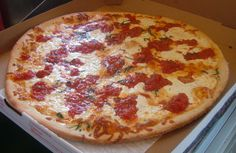 Bleecker Street Pizza - Italian - Grab a slice of mouth-watering pizza with crispy crust and great sauce on top served at Bleecker Street Pizza