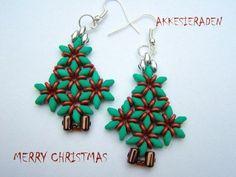 Merry Christmas ! Superduo Christmas Tree Earrings Inspiration - The Beading Gem's Journal