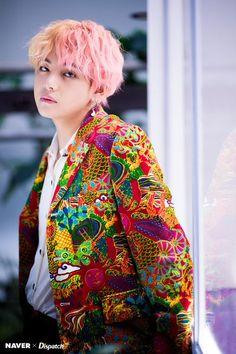 BTS Bangtan Sonyeondan Kim Taehyung Tae V TaeTae CGV Living for his peach pink blonde hair. Bts Taehyung, Jhope, Yoongi, Bts Bangtan Boy, Daegu, Foto Bts, Bts Photo, K Pop, Pop Bands