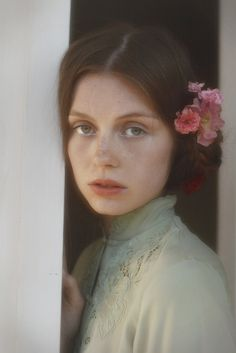 "The Look: ""Anne of Green Gables"" - freckles and flowers"