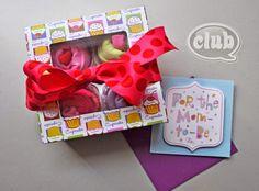 Cupcakes para bebé con ropa básica