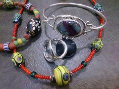 アンティークのトンボ玉ネックレスとシルバーリングにバングルです。 ハンドメイド、手作り、手仕事品の通販・販売・購入ならCreema。