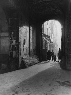 Nicolas Yantchevsky, Ruelle à Paris, ca. 1950