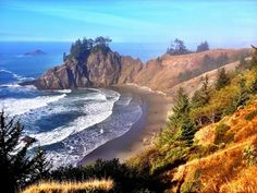 My home town Brookings Or. Looking from my old house ! Beautiful Scenery, Beautiful Places, Great Places, Places To See, Brookings Oregon, Coos Bay, North Bend, Ocean Photos, University Of Oregon