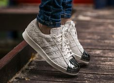 differently ee49b 6b375 Adidas Superstar 80 s Fish Metal Toe (1)