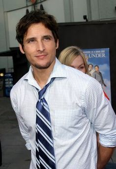 Peter Facinelli, sorry for those who think he's totally hot in Twilight, but he looks weird there and WAY better here