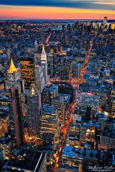 New York City prints New York Wallpaper, City Wallpaper, New York Life, Nyc Life, City Life, City Aesthetic, Travel Aesthetic, Photographie New York, New York Sunset