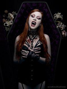 Dark art for our inner demons Female Vampire, Gothic Vampire, Vampire Queen, Vampire Girls, Vampire Art, Vampire Fangs, Hot Goth Girls, Gothic Girls, Dark Beauty