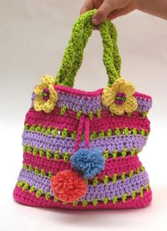 colorful bag crochet pattern / SERIOUSLY THIS IS PROBABLY THE CUTEST PURSE I'VE EVER SEEN! EVER! SO MAKING AMARA THIS ONE~ HOW SWEET? ~♥~