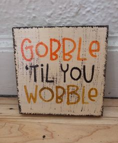 19 Delicious Thanksgiving Treats That Will Blow Your Kids' Minds Check these cheap and easy rustic Thanksgiving decorations for home and for outdoor. Try crafts ideas for kids to take part in DIY Thanksgiving party! Thanksgiving Signs, Thanksgiving Centerpieces, Rustic Thanksgiving Decor, Table Centerpieces, Thanksgiving Recipes, Thanksgiving Quotes Funny, Thanksgiving Decorations Outdoor, Fall Crafts, Holiday Crafts