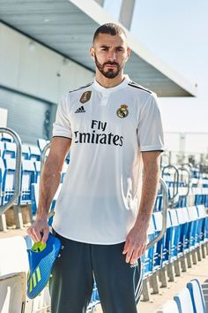 New real madrid kit in pictures: adidas reveal home and away Real Madrid Club, Real Madrid Football Club, Real Madrid Players, Adidas Football, Football Jerseys, Equipe Real Madrid, Date Outfit Casual, Professional Football, Womens Fashion For Work