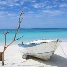 plage de mouli à ouvéa en nouvelle-calédonie