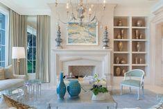 brightening dark interiors_pale colors Room Wall Colors, Paint Colors For Living Room, Living Room Decor, Brighten Dark Room, Dark Living Rooms, Dark Rooms, Small Living, Vase Design, Best Paint Colors